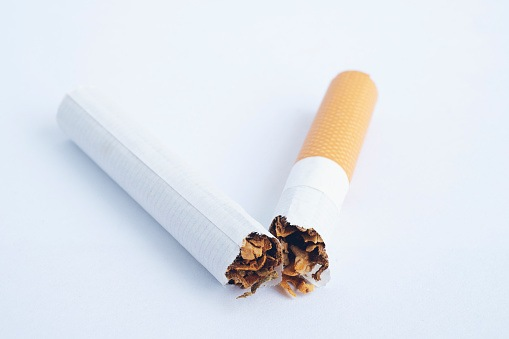 Adding Smoking Cessation to Lung Screening Can Reduce Mortality and Increase Life Years in Lung Cancer Patients